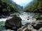 منظره رودخانه سنگی