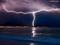 عکس رعد و برق در ساحل