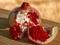 عکس انار دانه دانه قرمز