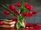 زیباترین پوستر گل لاله در گلدان