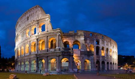 کولوسئوم در شهر رم ایتالیا colosseum in rome italy