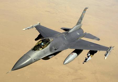 پرواز جنگنده اف 16 آسمان عراق f16 fighter iraq