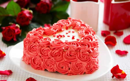 کیک تولد عاشقانه قلبی شکل happy brithday heart cake