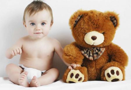 پسر بچه و عروسک خرس تدی sweet baby teddy bear