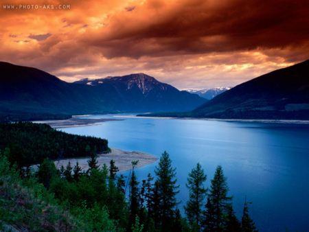 منظره رودخانه و کوهستان aks manzareh koh
