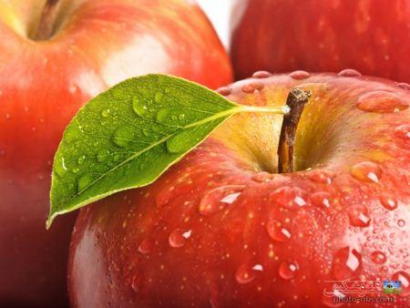 عکس سیب با طراوت و رسیده apple wallpaper