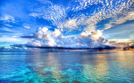 منظره زیبا طبیعت دریا و آسمان آبی beautiful ocean hd wallpaper