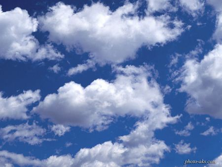 ابرهای سطحی در آسمان clouds in sky