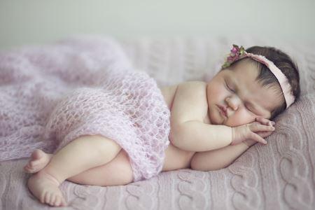 عکس خواب شیرین نوزاد baby girl sleeping