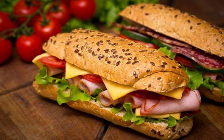 عکس ساندویچ خوشمزه کالباس delicious sandwiches