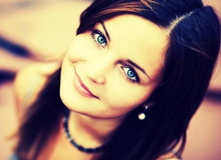 لبخند دختر زیبا چشم آبی dokhtar ziba cheshm abi
