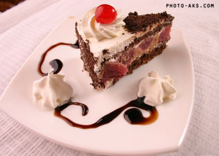 کیک میوه ای خوشمزه fruit cake
