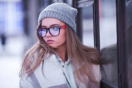 عکس دختر زیبای عینکی glass girl beautiflul