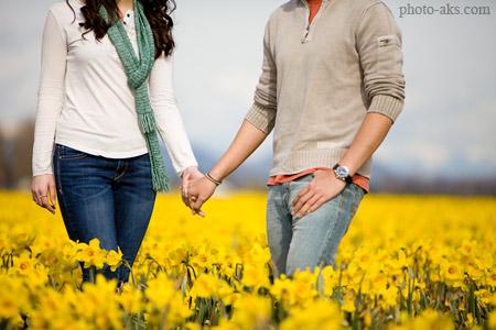 عکس عاشقانه در میان گلها love in flowers