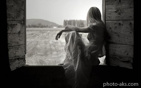 انتظار دختر کنار پنجره love girl window