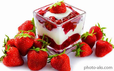 دسر بستنی با طعم توت فرنگی red strawberry icecream
