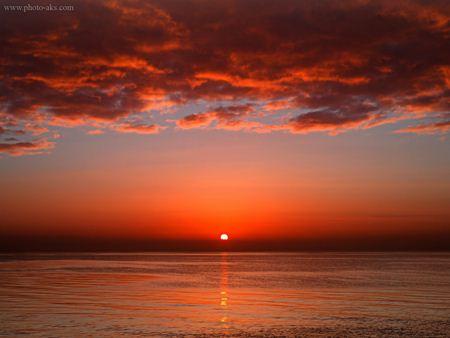 غروب زیبا در دریا sunset sea