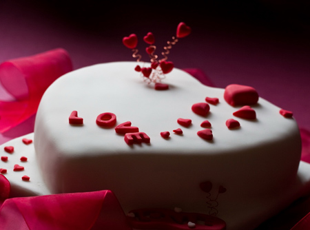 کیک تولد عاشقانه قلب شکل love cake valentines day