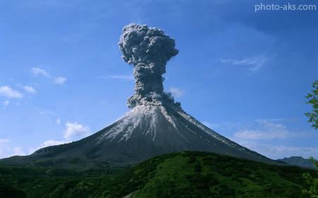 انفجار کوه آتشفشان volkano