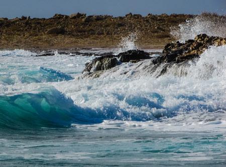 تصویر زیبای منظره امواج ساحل دریا wave sea surf wallpaper