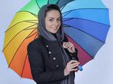 عکس آتلیه بیتا سحرخیز با چتر