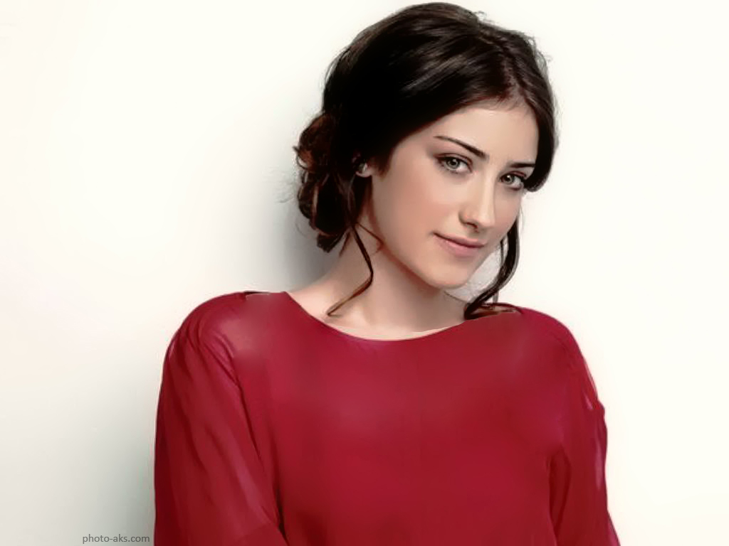 http://pic.photo-aks.com/photo/actor/bazigaran-zan/large/hazal_kaya_beautiful.jpg