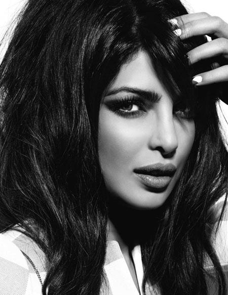 عکس سیاه و سفید بازیگر زن هندی aks ziba priyanka chopra