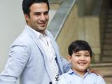 عکس یوسف تیموری و پسرش
