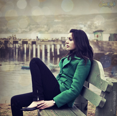 دختر تنها روی نیمکت alone girl on bench