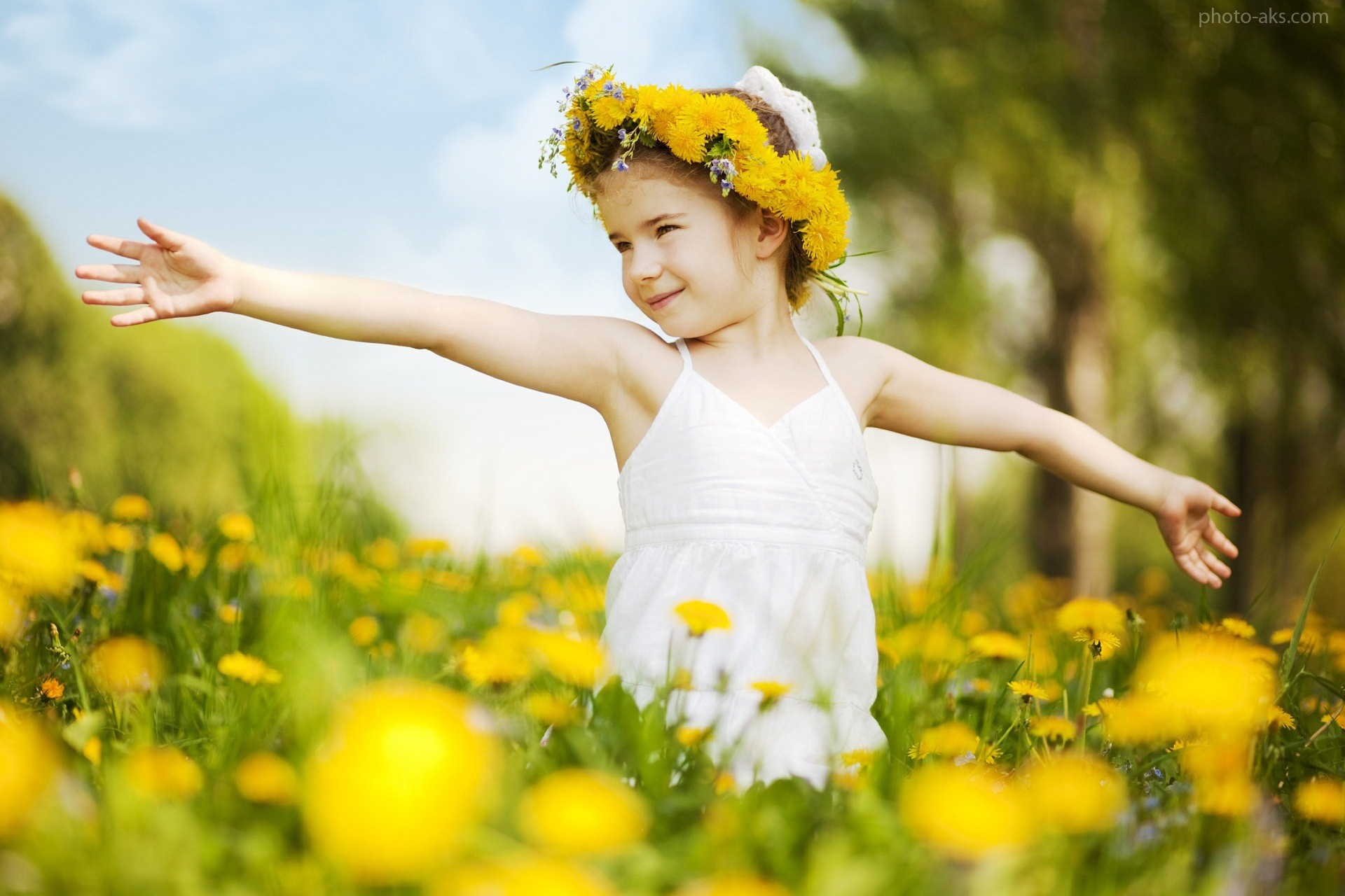 http://pic.photo-aks.com/photo/images/baby/large/best_of_beautiful_baby_wallpaper.jpg
