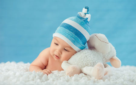 عکس نوزاد و عروسک ببعی baby sweet kid newborn