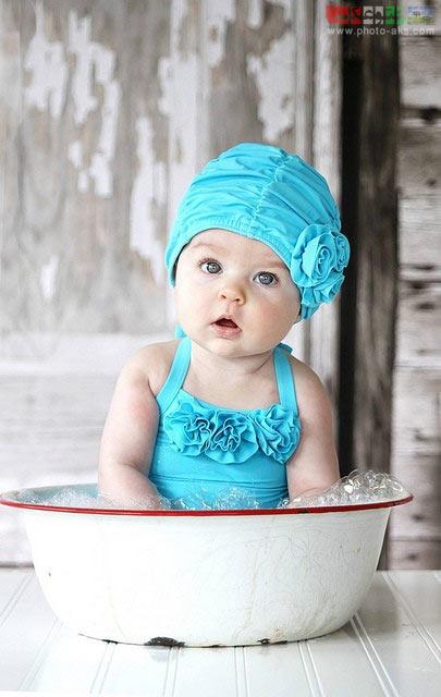 عکس بچه داخل تشت آب bache tasht ab