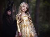دختربچه با لباس مجلسی خوشگل
