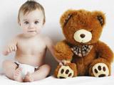 پسر بچه و عروسک خرس تدی