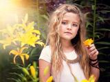 دختر بچه خوشکل مو بلند