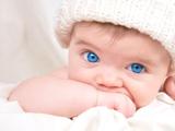 عکس نوزاد چشم آبی