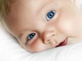 پسر بچه چشم آبی