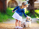 عکس دختر کوچولو و سگ بامزه
