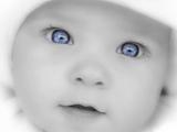 عکس کودک چشم آبی ناز