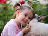 دختر ناز خرگوش سفید