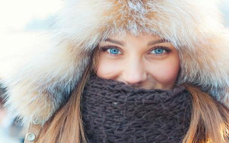 دختر چشم آبی زیبا در زمستان winter beauty girl blue eye