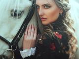 عکس دختر زیبا و اسب