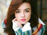 والپیپر چهره خوشگل دختر جوان