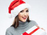 عکس لبخند زن زیبا در کریسمس