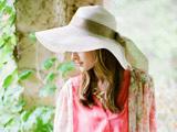 عکس دختر خارجی با کلاه