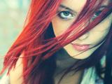 عکس نگاه دختر مو قرمز زیبا
