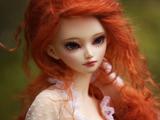 عروسک خوشگل دختر مو قرمز