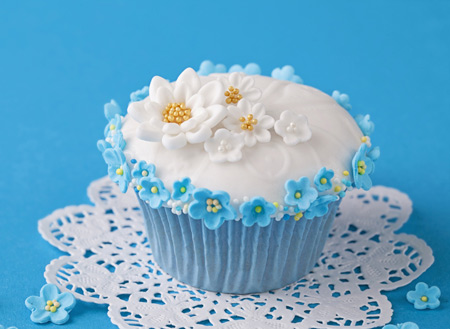 عکس کیک و شیرتی آبی blue cake picture