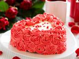کیک تولد عاشقانه قلبی شکل