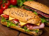 عکس ساندویچ خوشمزه کالباس